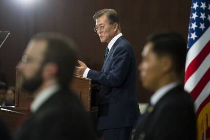 문재인 대통령이 30일(현지시간) 미국 CSIS에서 연설을 하고 있다. <사진제공: 연합뉴스>