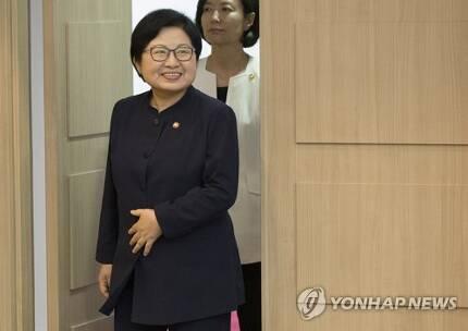정현백 여성가족부 장관 [연합뉴스 자료사진]