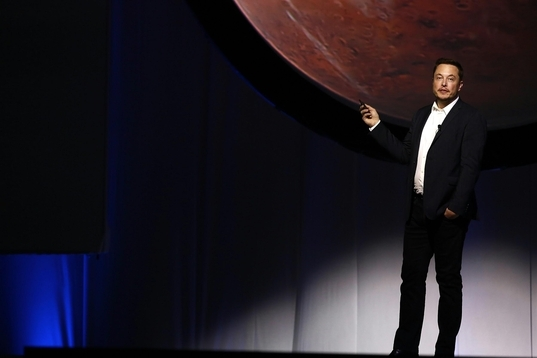 지난해 멕시코에서 열린 국제우주대회(IAC)에서 화성에 정착지를 개척할 것이라는 포부를 밝혔다. / 블룸버그 제공