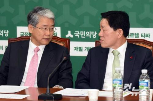 국민의당 간사 김동철 의원과 주승용 원내대표 (사진=윤창원 기자)