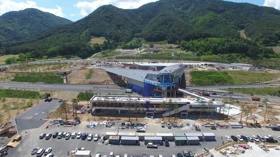 국내 최초 상공형 휴게소인 내린천 휴게소. [사진 한국도로공사]