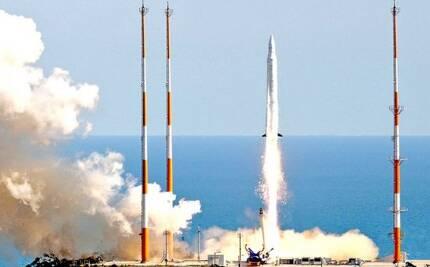 한국 최초 우주발사체 나로호가 발사대를 떠나 우주로 비상하고 있다.[사진출처=한국항공우주연구원]