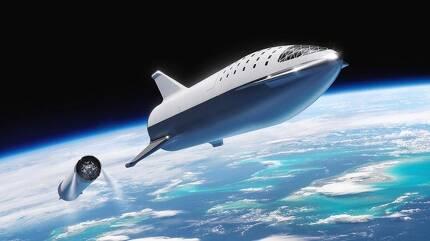 스페이스X가 계획중인 유인 우주 탐사용 '빅 팰컨 로켓(BFR)'과 우주선 일러스트 이미지. /스페이스X 제공.