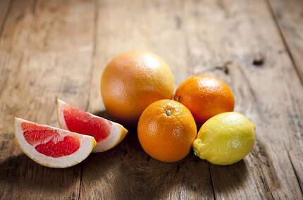귤, 오렌지, 자몽, 레몬 등 산도가 높은 과일은 빈속에 먹지 않는 것이 좋다./사진=클립아트코리아