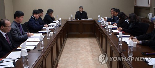 8일 한국종교인평화회의(KCRP) 중재로 열린 단원고 교실 관련 제3차 협의회 회의
