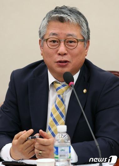 조응천 더불어민주당 의원. 2016.6.20/뉴스1 © News1 손형주 기자
