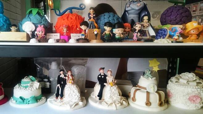사진 윗줄은 만화 '원피스' 속 '악마의 열매' 제작품, 아랫줄은 윤공방에서 제작한 케이크다.