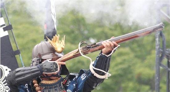 조총 사격 재현모습(사진=위키디피아)