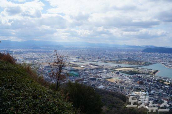 야시마 전망대에서 바라본 다카마츠 전경(사진=참좋은여행 제공)