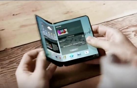 삼성전자가 2014년 공개한 콘셉트 영상에 등장한 폴더블폰. /출처= 삼성전자 유튜브.