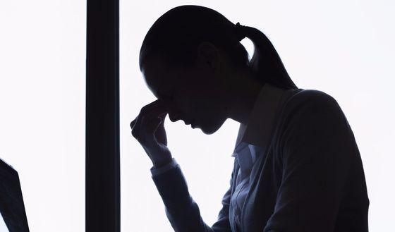 편두통 때문에 기억력이 감소한것처럼 보여도 이는 치매 전조 증상이 아니라 우울이나 불안 때문이란 연구 결과가 나왔다. [중앙포토]
