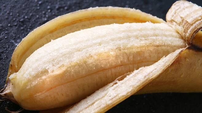 몬게바나나는 당도가 높은데다 껍질이 얇고 부드러워 껍질째 먹을 수 있다고 한다. 몬게바나나닷컴