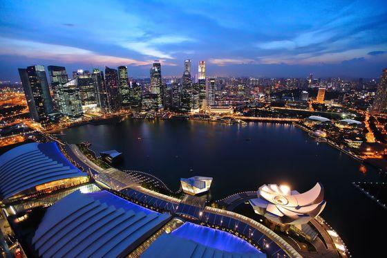 싱가포르 중심가의 모습