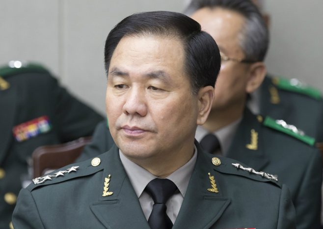 2016년 9월26일 오전 서울 용산 국방부 대회의실에서 예정된 국방부 국감이 여당 의원들의 불참으로 열리지 못하는 가운데 조현천 국군 기무사령관이 개회를 기다리고 있다. ⓒ시사저널