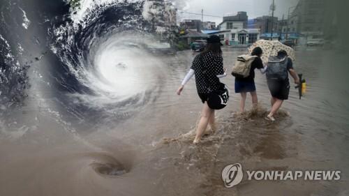 폭우 때마다 물바다…상습 침수지역 주민 '노심초사' (CG) [연합뉴스TV 제공]
