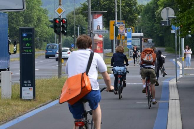 독일에서 자전거를 이용하는 성인의 10~20% 정도만 헬멧을 착용 / 사진=ADFC