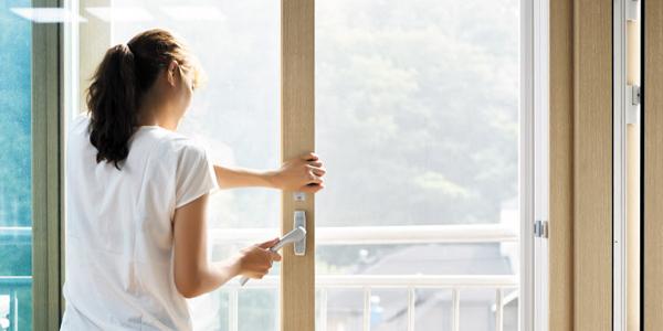 미세 먼지가 '나쁨'인 날에도 집에서 조리를 할 때는 환기를 해야 한다. 실내 미세 먼지 농도가 실외보다 더 높기 때문이다. /신지호 헬스조선 기자