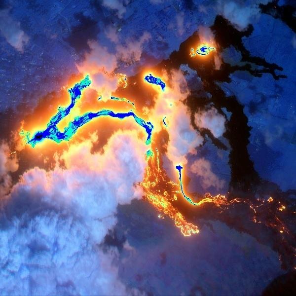 용암을 내뿜는 하와이 킬라우에아 화산.