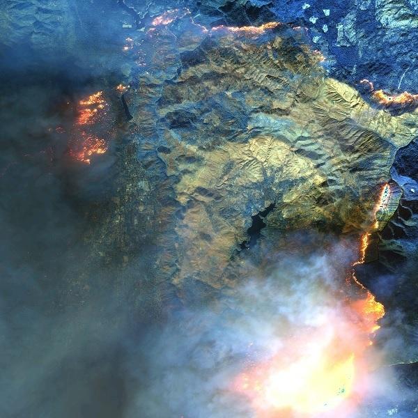 미 캘리포니아를 휩쓴 최악의 산불.