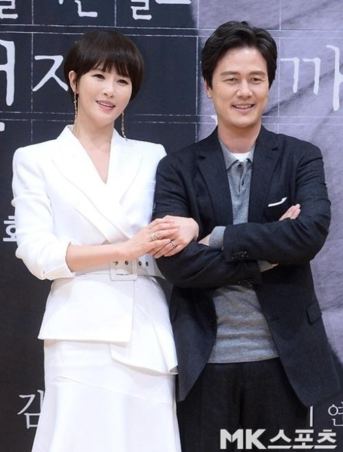 `키스 먼저 할까요` 감우성과 김선아가 `2018 SBS 연기대상` 대상을 공동수상했다. 사진=옥영화 기자