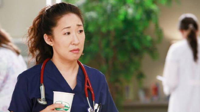 미국 ABC 드라마 <그레이 아나토미>의 한 장면. 샌드라 오는 이 작품에서 의사 크리스티나 양을 연기했다.
