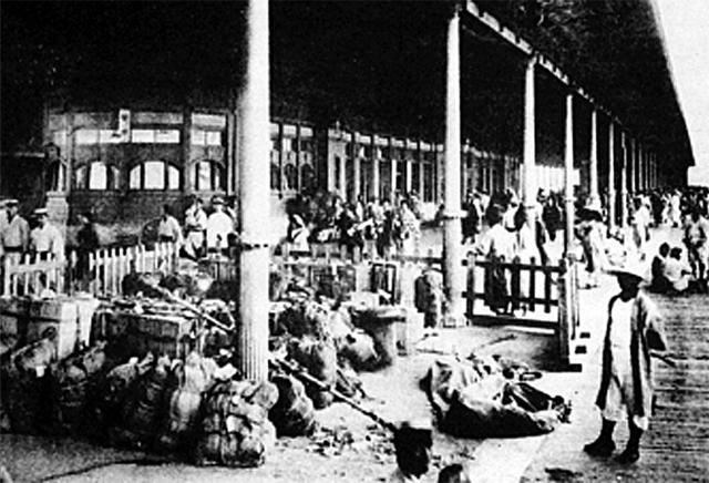 일본 부두에 도착한 한인 노동자들의 모습이다. 독립기념관 제공