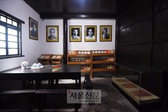 중국 광시좡족자치구 구이린에 있는 구망일보(救亡日報) 기념관 내부. 1937년 8월 중국인 궈모러(1892~1978)가 상하이에서 창간한 항일신문으로 1939년 1월 구이린에서 복간됐다. 이 신문은 한국광복군 소속 안병무(1912∼1966) 등의 글을 연재하는 등 한중 공동 항일투쟁을 전개했다.구이린 안주영 기자 jya@seoul.co.kr