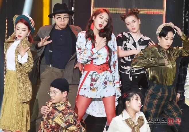 SBS MTV '더쇼'에 참석한 달수빈. 사진=조은정 기자 new@hankooki.com
