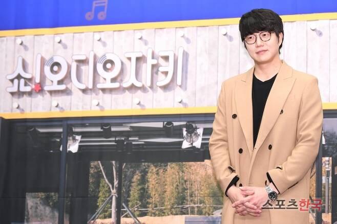 tvN '쇼! 오디오자키' 제작발표회에 참석하고 있는 성시경. 사진=윤수정 기자 pic@hankooki.com