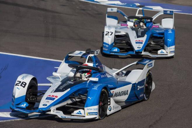 BMW i 안드레티(Andretti) 모터스포츠팀의 포뮬러E 전기 레이스카 BMW iFE.18 (제공=BMW코리아)