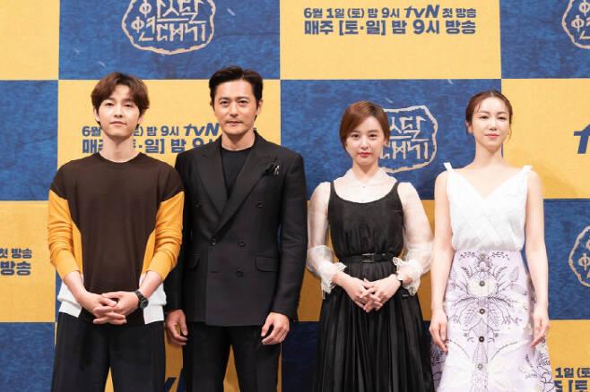 '아스달 연대기' 출연진, 송준기-장동건-김지원-김옥빈. 사진제공 tvN