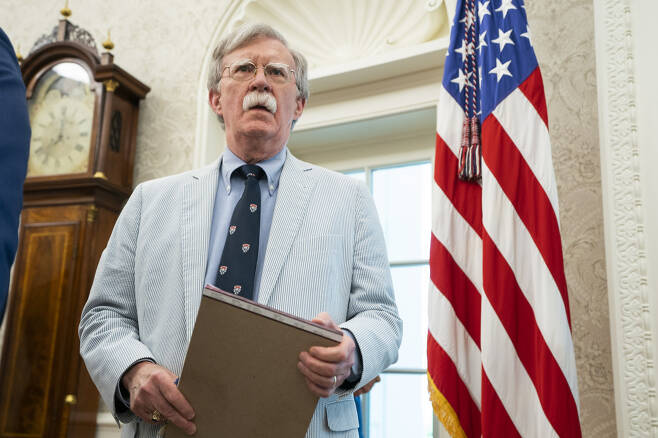 존 볼턴 미국 백악관 국가안보보좌관이 19일(현지시간) 아폴로 우주선 달 착륙 50주년 기념행사에 참석하고 있다. 볼턴 보좌관은 다음날인 20일 한국과 일본 방문길에 올랐다. [EPA]