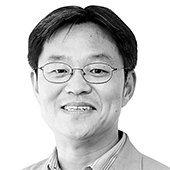 권혁주 논설위원