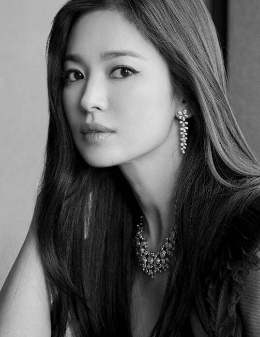 송혜교 흑백사진 /사진=인스타그램