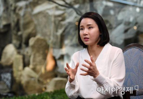 남현희가 아시아경제와 인터뷰하며 은퇴에 대한 속마음을 털어놓고 있다. 사진=김현민 기자 kimhyun81@
