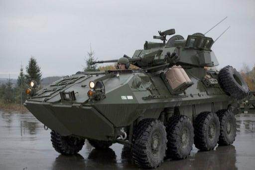 미 해병대가 사용중인 LAV-25 차륜형 장갑차. 미 해병대를 기계화부대로 만드는데 큰 역할을 했다. 미 해병대 제공