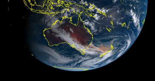 일본 기상청의 히마와리8 위성이 호주 산불을 우주에서 촬영한 사진을 공개했다. 사진은 일본 기상청의 히마와리-8 위성에 5일 촬영한 사진으로, 호주 산불로 인해 발생한 노란 연기구름이 호주에서 다소 떨어져 있는 뉴질랜드까지 뒤덮고 있는 모습을 보여 준다. 히마와리 위성 갈무리