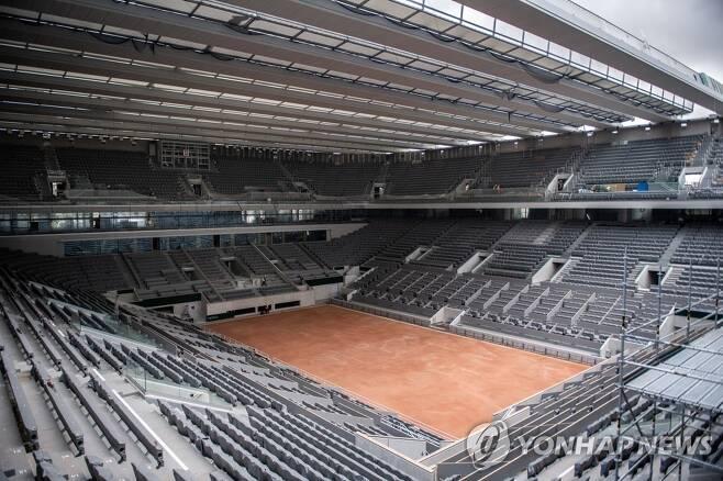 프랑스테니스오픈 대회가 열릴 예정인 파리의 필리프 샤트리에 경기장의 모습. [AP=연합뉴스 자료사진]