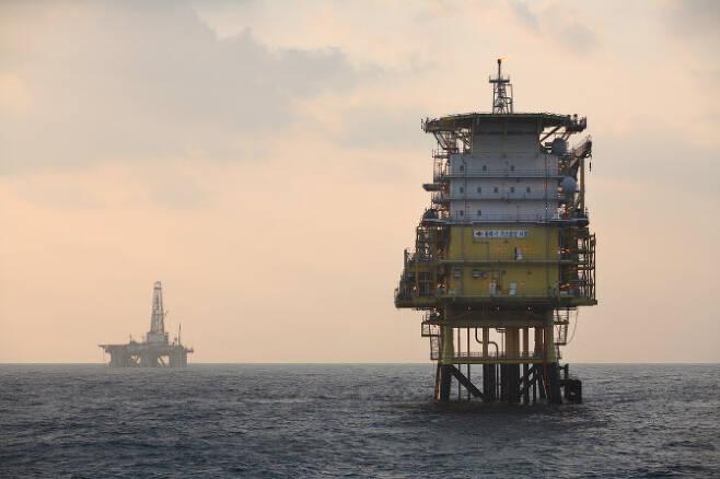 한국석유공사의 동해 대륙붕 탐사 모습. 석유공사 제공