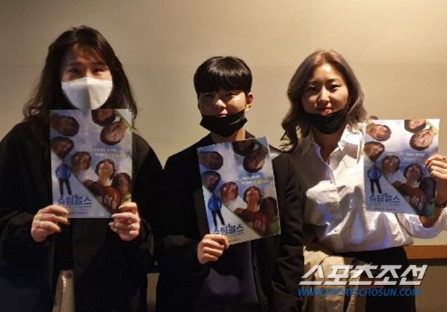 삼례여중 축구부의 왼쪽부터 여자축구 맹다희, 전가을, 조소현