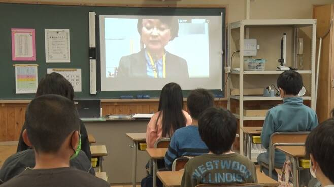 - 4월 13일 일본 미에현 한 초등학교에서 열린 온라인 개학식. 미에테레비 캡처