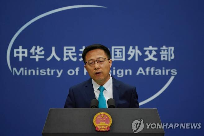 정례 브리핑하는 자오리젠 중국 외교부 대변인 (EPA=연합뉴스)
