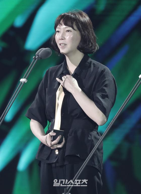 제56회 백상예술대상 영화부문 신인감독상 '82년생 김지영' 김도영 감독