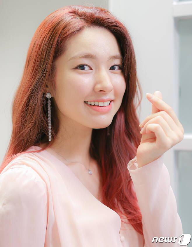 KBS2TV '영혼수선공'에서 열연 중인 배우 하영이 30일 뉴스1과의 인터뷰를 앞두고 포즈를 취하고 있다. 2020.6.30/뉴스1 © News1 김진환 기자