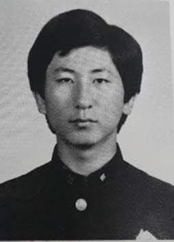 이춘재의 고교 졸업앨범 사진./조선일보DB