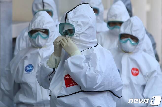 정부는 광주 내 병상 부족 시 전라도 5개 병원의 가용병상을 우선 활용하는 방침을 세웠다. /사진=뉴스1