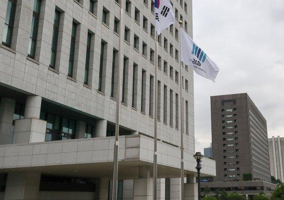 지난 1일 서울 서초구 대검찰청(왼쪽 건물)과 서울중앙지검 건물. [뉴스1]