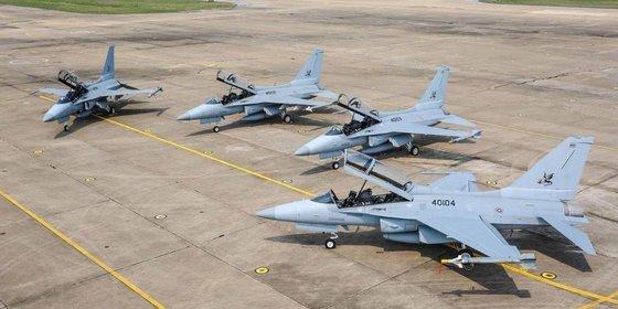 한국항공우주산업(KAI)이 태국에 12대를 수출한 T-50TH 골든이글 고등 훈련기. [사진 태국 공군]