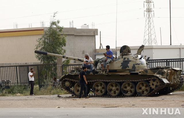 [ 트리폴리= 신화/뉴시스] 내전으로 전투가 끊이지 않는 리비아의 수도 트리폴리 인근의 2019년 4월 24일 풍경. 2020.07.22