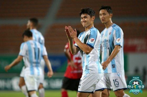 지난 25일 상주전 울산 이동경이 팀의 다섯 번째 골을 넣고 기뻐하고 있다. 한국프로축구연맹